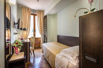 Classic Single Room, Balcony (Duomo View)