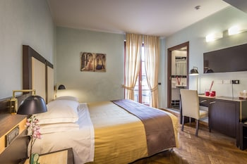 Classic Double Room, Balcony (Partial Duomo View)