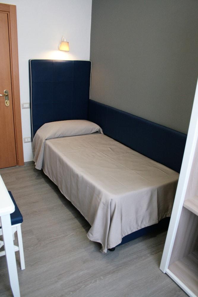 호텔 마젠타(Hotel Magenta) Hotel Image 6 - Guestroom