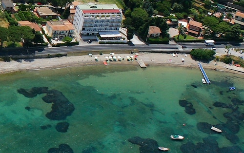 __{offers.Best_flights}__ Baia d'Argento