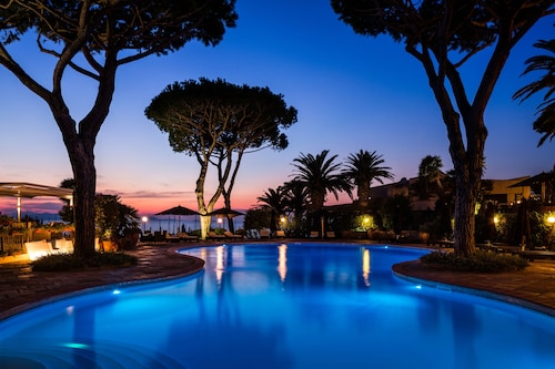 . Baglioni Resort Cala del Porto - The Leading Hotels of the World