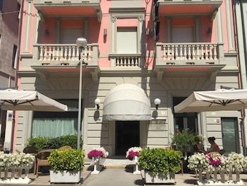 Top 20 Best Hotels In Centro Matteucci Per L Arte Moderna Cheap