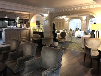 Hotel - Eaton Hotel