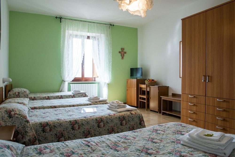 알베르고 안카자니(Albergo Ancajani) Hotel Image 6 - Guestroom