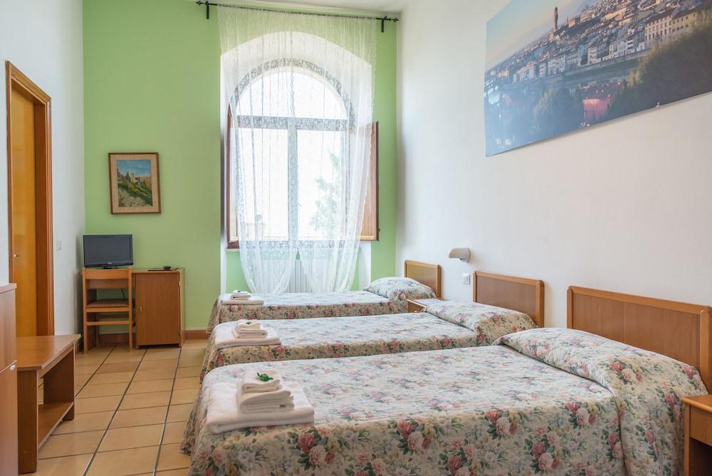 알베르고 안카자니(Albergo Ancajani) Hotel Image 8 - Guestroom