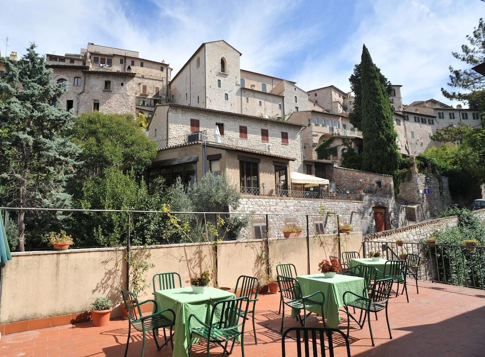 알베르고 안카자니(Albergo Ancajani) Hotel Image 25 - Terrace/Patio