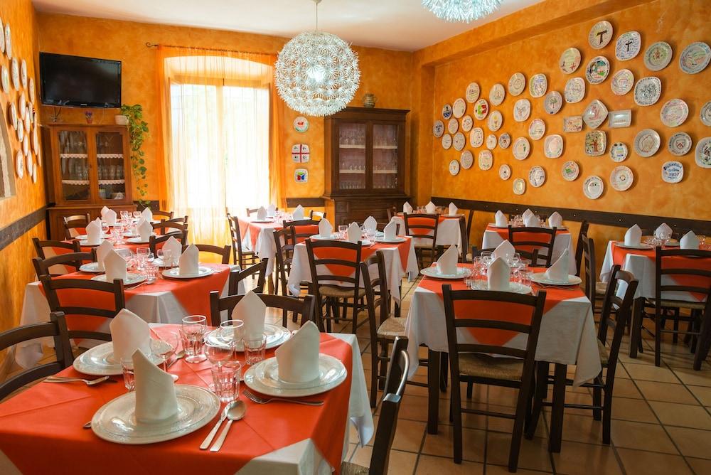 알베르고 안카자니(Albergo Ancajani) Hotel Image 21 - Restaurant