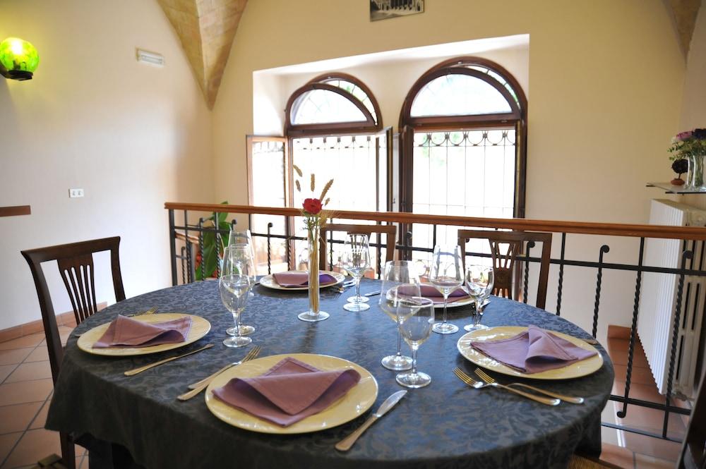 알베르고 안카자니(Albergo Ancajani) Hotel Image 20 - Restaurant
