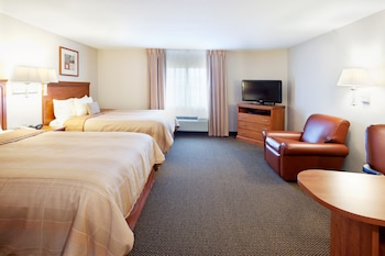 Studio Suite, 2 Queen Beds, Accessible, Non Smoking (Hearing, Roll-In Shower)