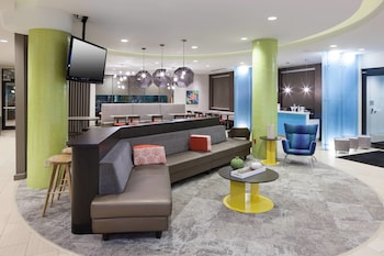 Lobby at SpringHill Suites by Marriott Orlando at SeaWorld in Orlando