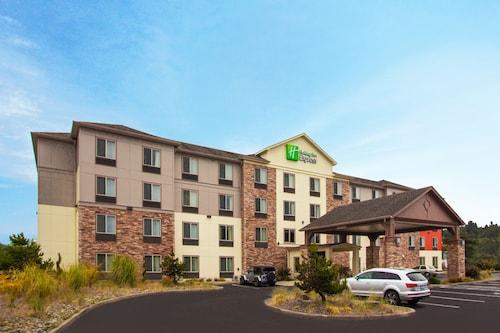 . Holiday Inn Express Hotel & Suites NEWPORT, an IHG Hotel