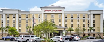 Hampton Inn & Suites North Charleston