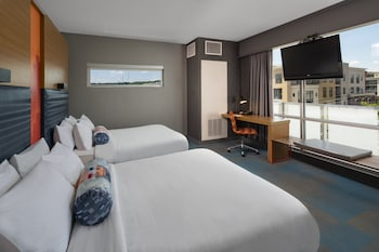 aloft, Room, 2 Queen Beds, City View, Corner