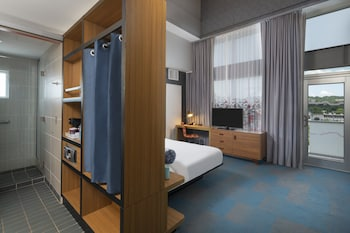 aloft, Room, 1 King Bed, City View, Corner