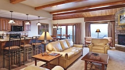 Luxury Room, 2 Bedrooms, Fireplace