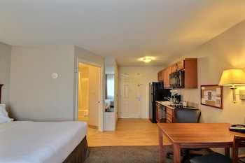 Studio Suite, 1 Queen Bed, Accessible (Hearing, Mobility)