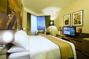 Club Grand Deluxe Room - Harbour View