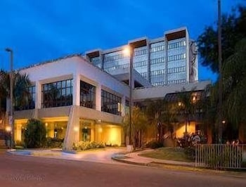Howard Johnson Centro Cardiovascular San Juan photo