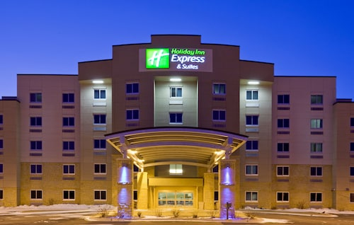 . Holiday Inn Express Hotel and Suites Mankato East