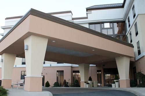 . Holiday Inn Express Hotel & Suites Harrisburg West, an IHG Hotel