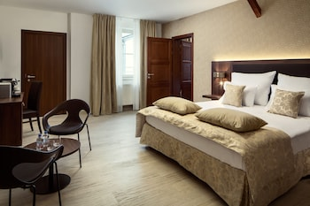 Connected Deluxe Rooms