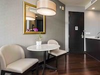 Grand-Suite, 1 Bedroom, City View  with Late checkout at 6.00 PM