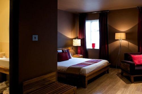 Hotel Maiyango, Leicester