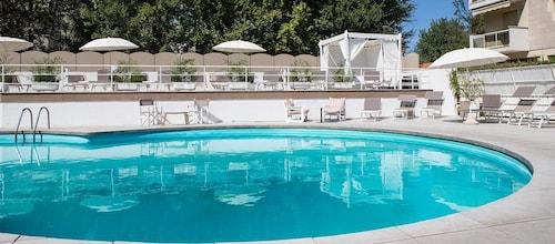 Hotel Fra i Pini, Rimini