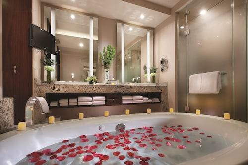 ARIA Resort & Casino image 47