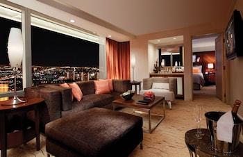Corner Suite Panoramic View