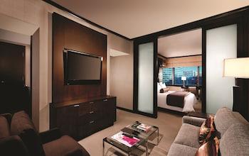 City Corner Club Lounge Suite