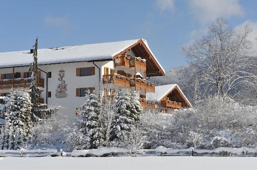 . Relais & Chateaux Park-Hotel Egerner Höfe