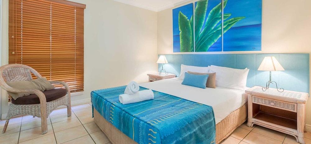 https://i.travelapi.com/hotels/3000000/2580000/2570200/2570197/9adac4d7_z.jpg