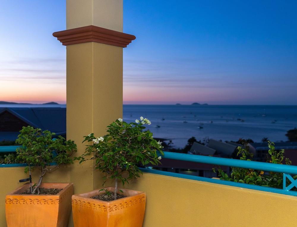 https://i.travelapi.com/hotels/3000000/2580000/2570200/2570197/cc41aa35_z.jpg