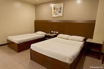Diplomat Hotel Cebu Guestroom