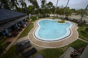Microtel by Wyndham Puerto Princesa Outdoor Pool