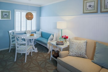 Suite, 2 Bedrooms (Two Queen Beds and 1 Sofa Bed)