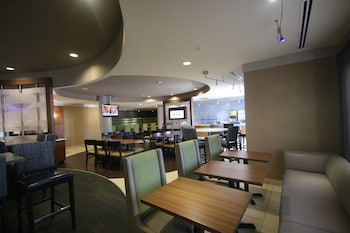 Lobby at SpringHill Suites by Marriott Charleston N./Ashley Phosphate in North Charleston