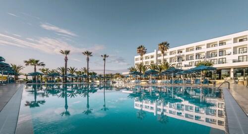 . Mitsis Faliraki Beach Hotel & Spa - All Inclusive