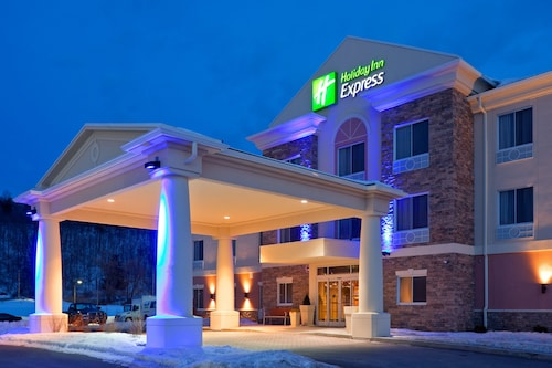 . Holiday Inn Express Hotel & Suites West Coxsackie