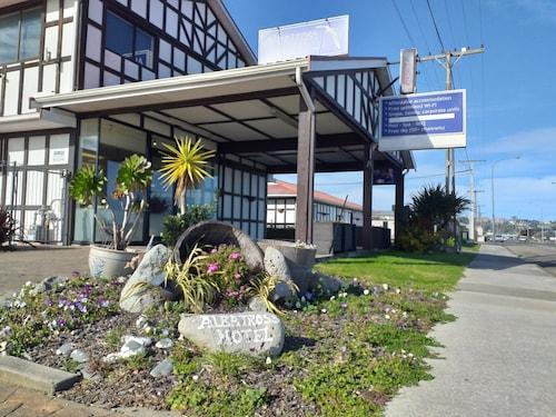. Albatross Motel