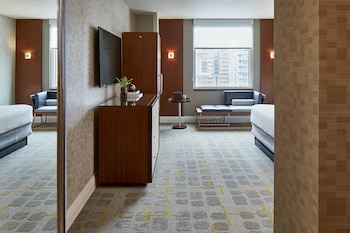 Room, 1 King Bed (Chic Modern)