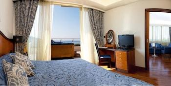 Deluxe Suite, Terrace, Sea View