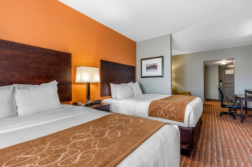 . Comfort Suites Jackson I-40