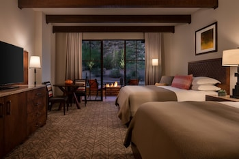 Room, 2 Queen Beds, Mountain View (Fireside)