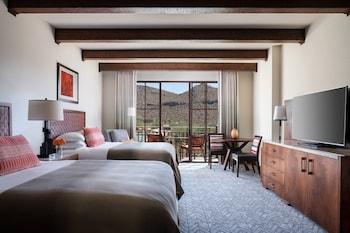 Room, 2 Queen Beds, Balcony, View