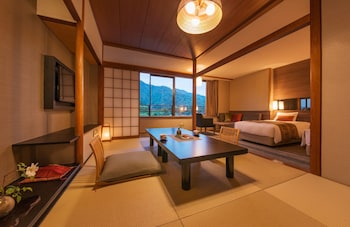 Standard Room, Non Smoking (Japanese/Western Style,2 bed+Futon ) , Mountain View【47㎡】