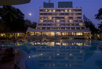 Hotel - The Resort