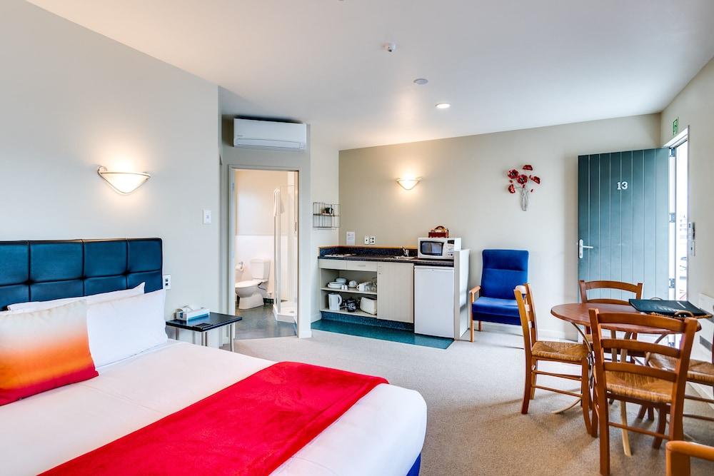 https://i.travelapi.com/hotels/3000000/2610000/2600500/2600463/1201ed23_z.jpg