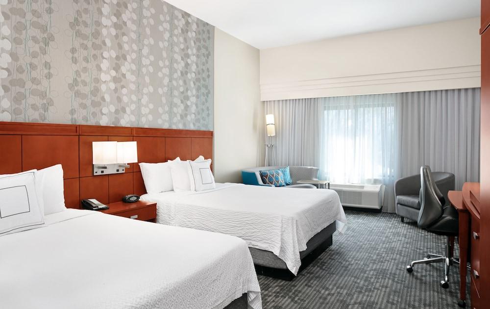 https://i.travelapi.com/hotels/3000000/2610000/2601600/2601591/7ddbb9e3_z.jpg
